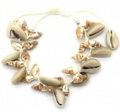E-C9.2 B536-006 Rope Bracelet Lots of ShellsE-C9.2 B536-006 Rope Bracelet Lots of Shells