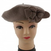 S-E3.4 Trend Woolen Baret With Flowers Ligt Brown