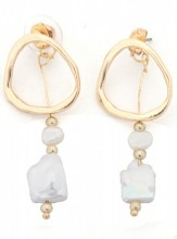 A-F7.5  E318-009 Earrings with Pearls Gold