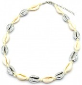 H-A6.1 N2001-006B Short Shell Necklace 40-45cm Silver-Beige